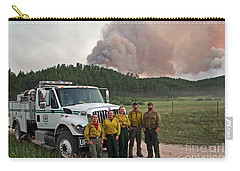 Carry-all Pouch featuring the photograph Umpqua Engine 25 On Myrtle Fire by Bill Gabbert