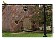 Carry-all Pouch featuring the photograph Wren Chapel At William And Mary by Jerry Gammon