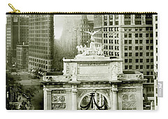 1919 Flatiron Building With The Victory Arch Carry-all Pouch