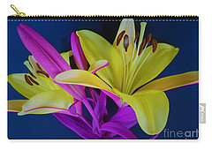 Carry-all Pouch featuring the photograph Bold Beautiful Flowers by Ray Shrewsberry
