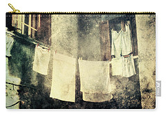 Clothes Hanging Carry-all Pouch