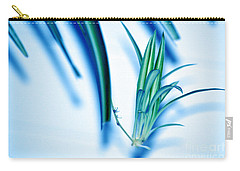 Carry-all Pouch featuring the photograph Dreaming Abstract Today by Susanne Van Hulst