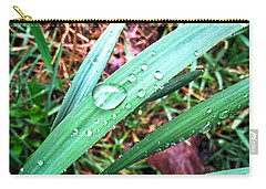 Carry-all Pouch featuring the photograph Droplets by Robert Knight
