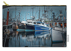 Carry-all Pouch featuring the photograph Full House by Randy Hall