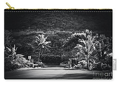 Carry-all Pouch featuring the photograph Honokohau Maui Hawaii by Sharon Mau