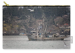 Carry-all Pouch featuring the photograph Kwiaahwah by Randy Hall