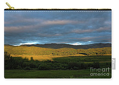 Carry-all Pouch featuring the photograph Livingstone Morning by Ann E Robson
