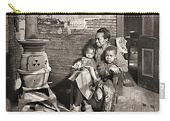 March 1937 Scott's Run, West Virginia Johnson Family. Carry-all Pouch