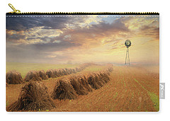 Carry-all Pouch featuring the photograph Misty Amish Sunrise by Lori Deiter