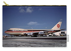 N17011, Continental Airlines, Boeing 747-143 Carry-all Pouch