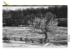 Carry-all Pouch featuring the photograph Niagara Falls Ice 4514 by Guy Whiteley