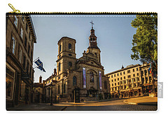 Notre-dame De Quebec Basilica-cathedral Carry-all Pouch