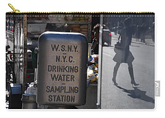 Carry-all Pouch featuring the photograph Nyc Drinking Water by Rob Hans