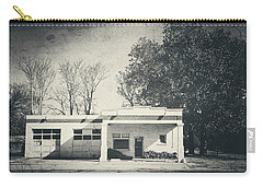 Carry-all Pouch featuring the photograph Old Gas Station On Highway 81 by Toni Hopper