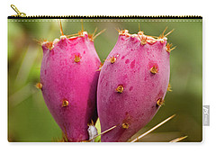 Carry-all Pouch featuring the photograph Pear O Fruit V07 by Mark Myhaver