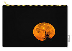 Carry-all Pouch featuring the photograph Pierhead Supermoon Silhouette by Everet Regal