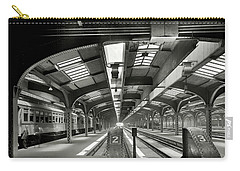 Railroad Shed - Chicago And Northwestern - Chicago C. 1910 Carry-all Pouch