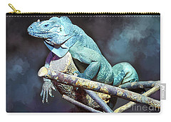 Carry-all Pouch featuring the photograph Relaxation by Jutta Maria Pusl