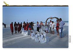 The Happy Couple - Married On The Beach Carry-all Pouch