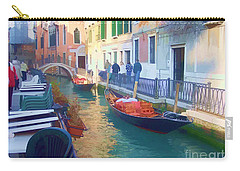 Carry-all Pouch featuring the photograph Venice Sidewalk Cafe by Roberta Byram