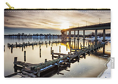 Carry-all Pouch featuring the photograph Waiting For The Set by Edward Kreis