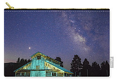 Carry-all Pouch featuring the photograph Barn In Rocky 2 by Gary Lengyel