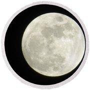 A Winter'sfullmoon Over Ga Round Beach Towel