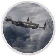 Avro Lancaster - Aircrew Remembrance Round Beach Towel