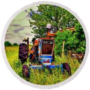 Old Ford Tractor Round Beach Towel