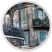 0275 New Orleans Balconies Round Beach Towel