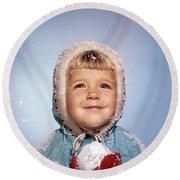 1960s Little Girl Holding Snow Ball Round Beach Towel