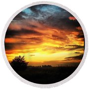 Country Scene From Hilltop To Hilltop Round Beach Towel