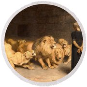 Daniel In The Lions Den Round Beach Towel