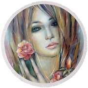 Doll With Roses 010111 Round Beach Towel