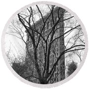 Flat Iron Tree Round Beach Towel