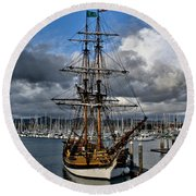 Round Beach Towel featuring the photograph Lady Washington by Michael Gordon