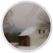 Melvin Village Barn Round Beach Towel