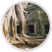 Old Ruins Of A Building, Angkor Wat Round Beach Towel