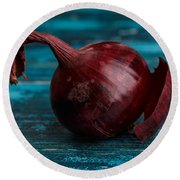 Red Onions Round Beach Towel