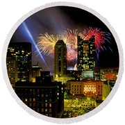 21l334 Red White And Boom Fireworks Display Photo Round Beach Towel