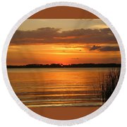 Setting Sun In Mount Dora Round Beach Towel