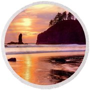 Silhouette Of Sea Stacks At Sunset Round Beach Towel