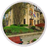 D47l-14 Victorian Village Photo Round Beach Towel