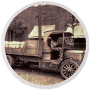 1919 Packard Work Truck Round Beach Towel