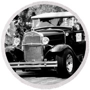 1934 Classic Car In Black And White Round Beach Towel