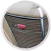 1937 Lincoln-zephyr Coupe Sedan Grille Emblem - Hood Ornament Round Beach Towel