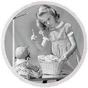 1940s Girl Shaking Her Finger At Doll Round Beach Towel