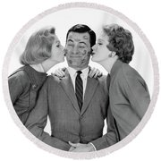 1950s 1960s Single Man Being Kissed Round Beach Towel