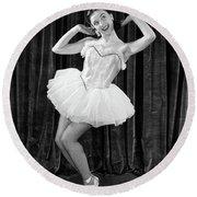 1950s Ballerina On Toes Round Beach Towel
