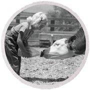 1950s Little Blonde Girl Feeding Calf Round Beach Towel